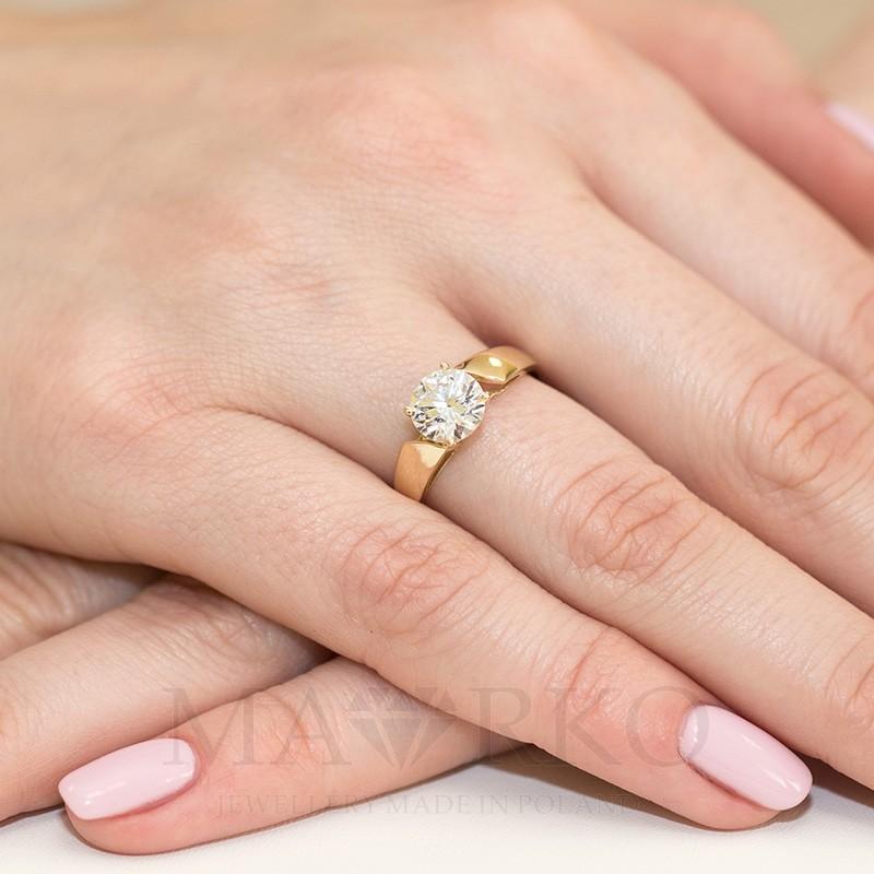67b530e662cf36 Złoty pierścionek 333 z dużą cyrkonią zaręczynowy, CL006-333-C