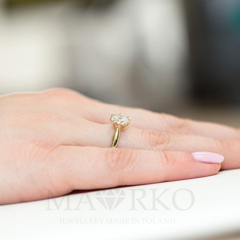 23cd9523e1ac19 Złoty pierścionek 333 z dużą cyrkonią zaręczynowy, CL004-333-C